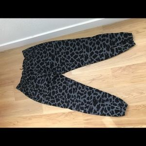 Lululemon track to reality lll track pants